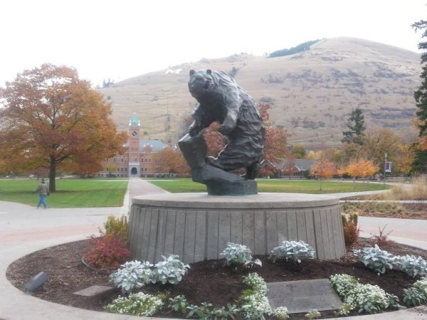 Washington-Grizzly Stadium, grizzly bear statue