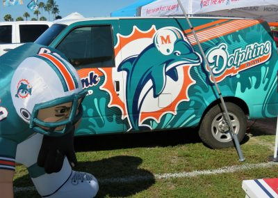 Dolphin Tailgating