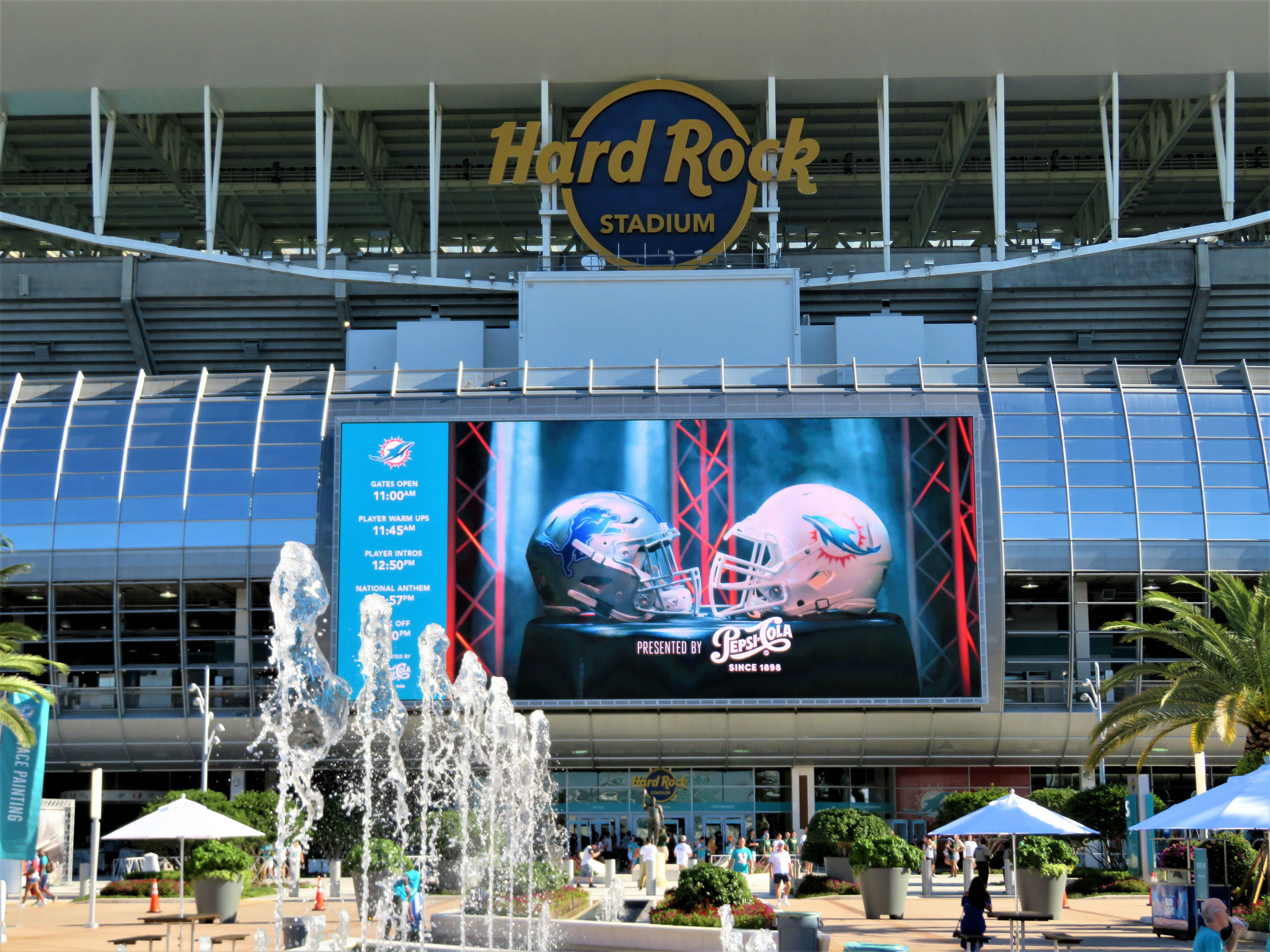 low cost ac100 b931f Hard Rock Stadium – Miami Dolphins | Stadium Journey