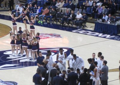 UConn Cheerleaders Perform