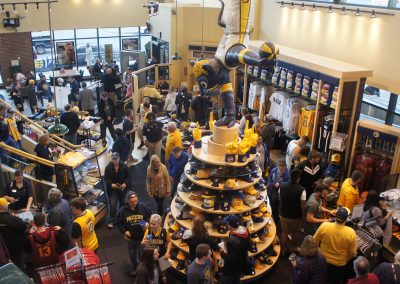 Bankers Life Fieldhouse, Indiana Pacers team store