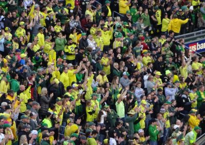 Autzen Stadium, Fans Looking on