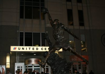 United Center, statue of basketball player out front