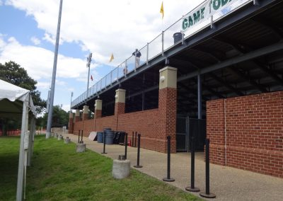 Plumeri Park, Architecture along the Back Wall