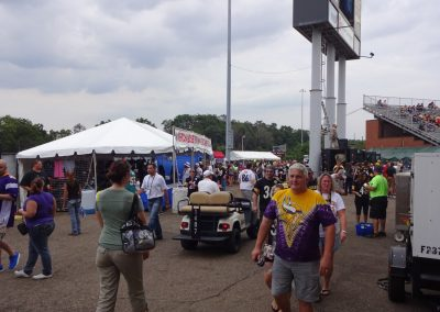 Tom Benson Hall of Fame Stadium, Fans on the Concourse