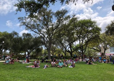 Grand Prix of St. Petersburg, Fans watch from Pioneer Park
